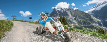 The mountain cart is a thrill between Schreckfeld and Bort. Going fast and sliding through the corners or slowly and enjoying the spectacular views of the Wetterhorn and Eiger is up to you.